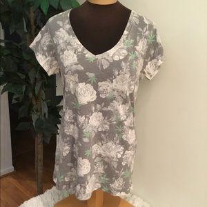⭐️.Hybrid apparel XL v neck tee shades gray roses